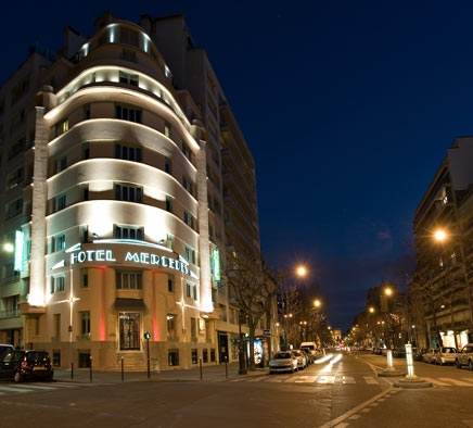 best western mercedes arc de triomphe paris tourist office. Black Bedroom Furniture Sets. Home Design Ideas