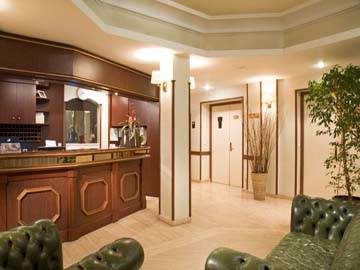 hotel timhotel clichy office de tourisme de