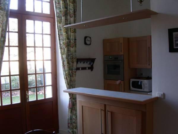 appartement 2 pi ces rochefort residence maritime. Black Bedroom Furniture Sets. Home Design Ideas