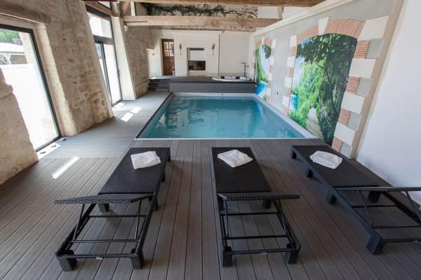 La cressonniere noyant et aconin - Chambre d hote piscine interieure ...