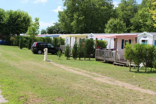 Camping la taill e aigrefeuille d 39 aunis trouvez et for Piscine aigrefeuille