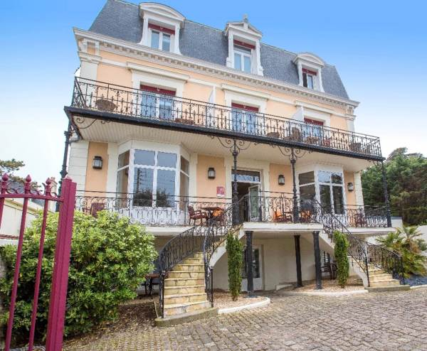 Hôtel 4* La Villefromoy