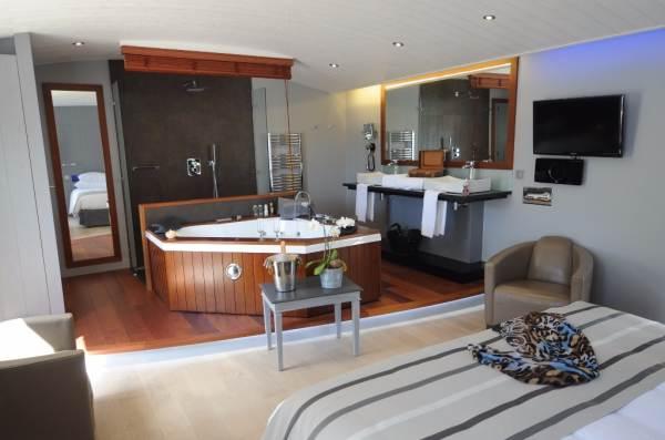 Elegance Suites Hôtel