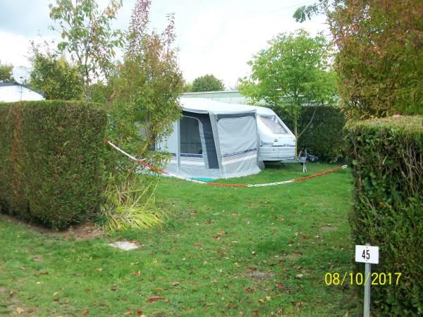 Camping LE PONT ROUGE ET LES VIGNES