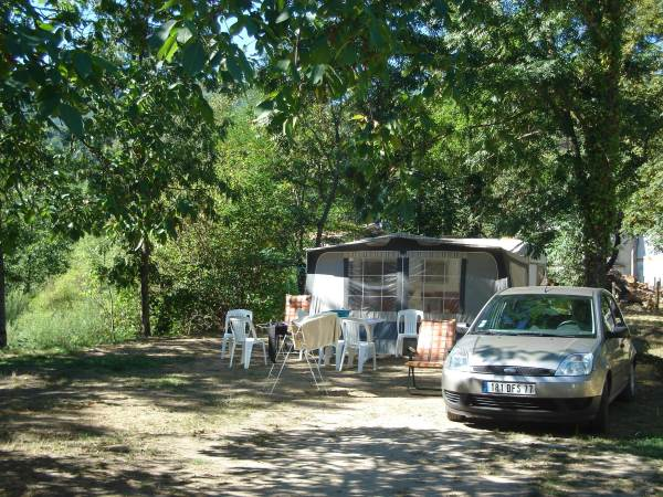CAMPING CHASSELOUVE
