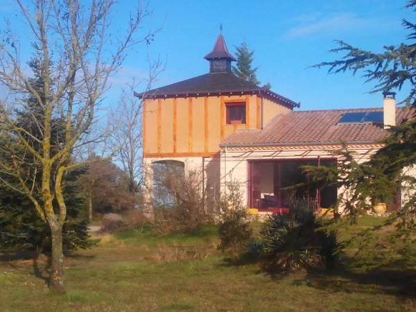 Chambres d'hôtes Gîte de France N°G2335 (le Pigeonnier de Sarraillé)