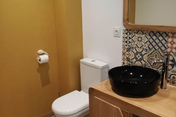 Salle d'eau avec son wc attenant chambre RC