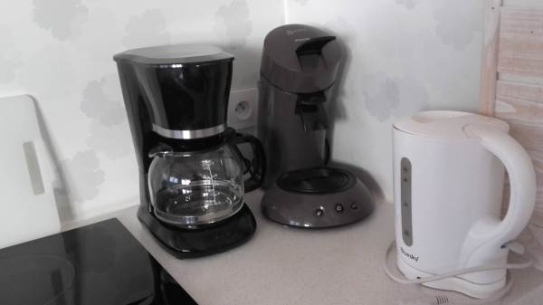La Goélette : cafetière électrique classique + expresso à dosettes souples, bouilloire