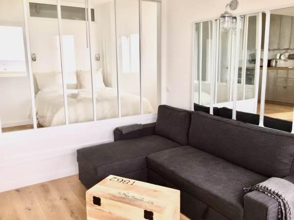 Le Salon avec canapé méridienne