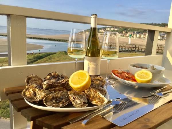 Dégustation, plateau de fruits de mer, sur le balcon