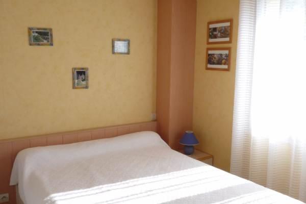 Chambre 1 lit 140 RDC