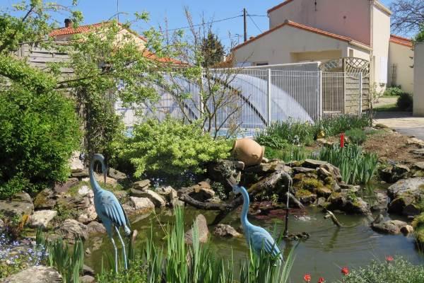 Piscine et Gites, côté jardin