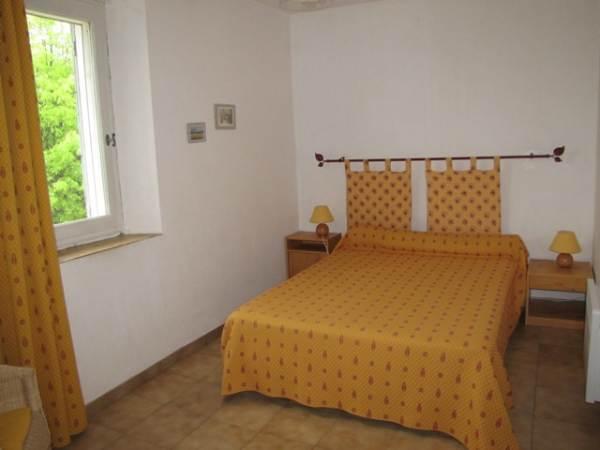 chambre lit 140 ( 2 places) côté sud