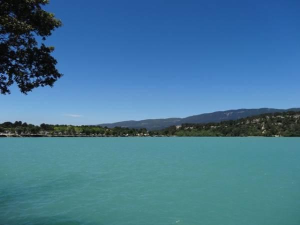 Baignades au lac à 600 métres du gîte