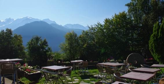 Vue panoramique face au Mont-Blanc