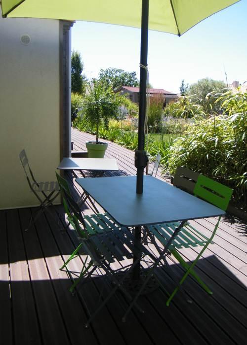 Terrasse commune aux chambres d'hôtes