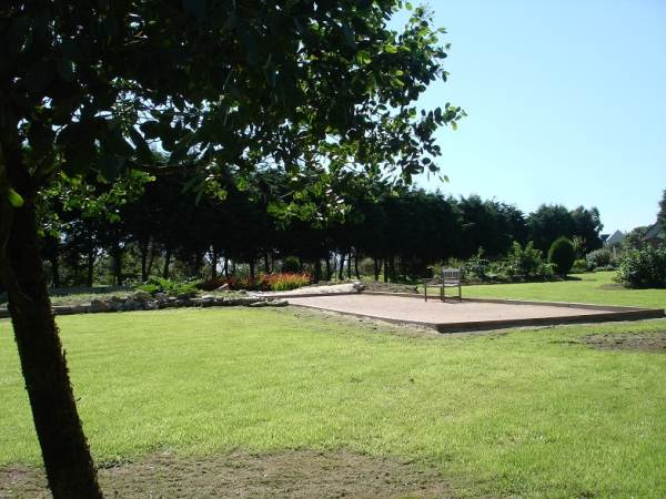 Jardin , terrain de pétanque