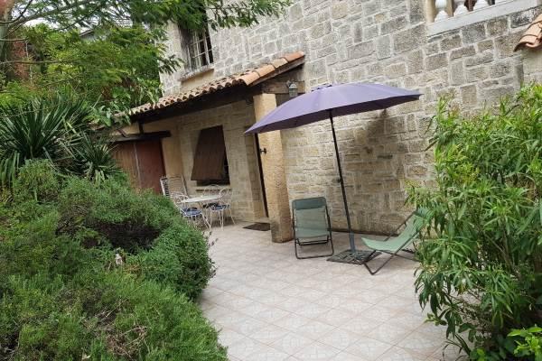 terrasse privée avec entrée appartement