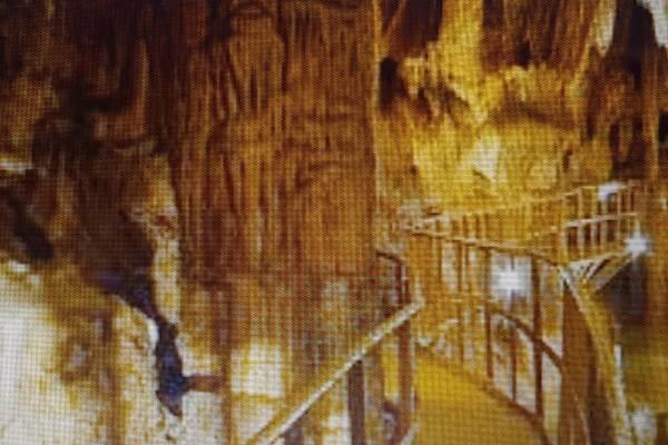 grotte de Limousis 30min de Carcassonne
