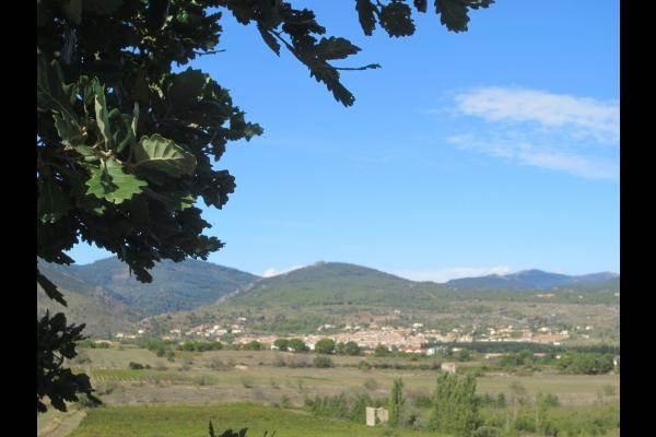 Le village au pied de la Montagne Noire
