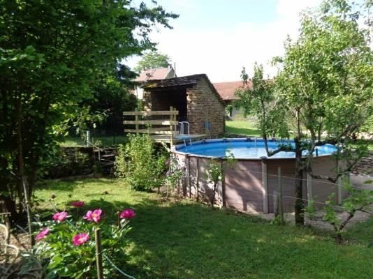 la piscine le jardin / Gite pour 4 Hières sur Amby (Isère - Crémieu - proche de Lyon et de l'aéroport)