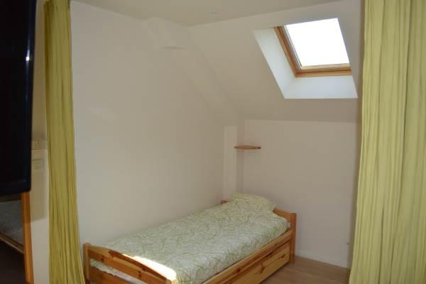 Chambre avec un lit gigogne (un lit double ou deux lits simple)