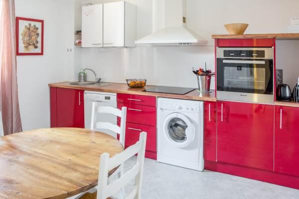 lave-vaisselle, lave-linge,four, plaque cuisson induction, cafetière, bouilloire