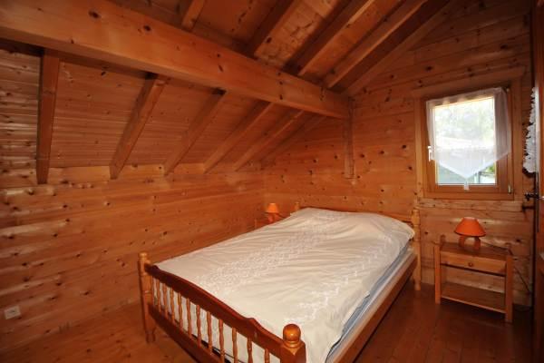 Chambre étage pour 2 personnes + 1 lit bébé