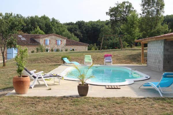 Extérieur piscine Gîte