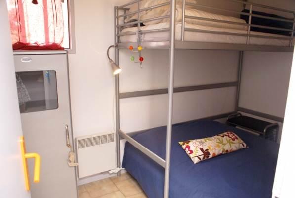 Chambre 2 RDC, BZ convertible + lit mezzanine 1p