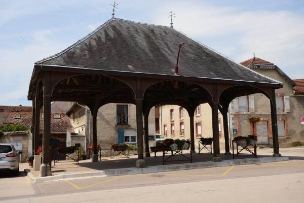 Halle du village