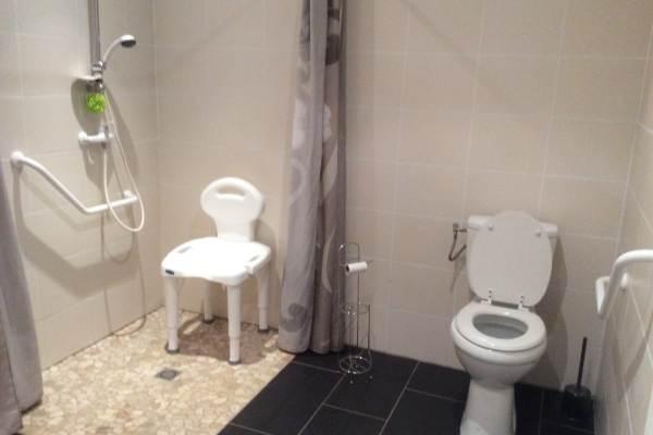 Salle d'eau accessible PMR