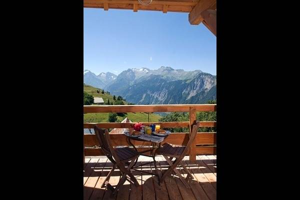 Chalet en été à Alpe d'Huez (Isère)