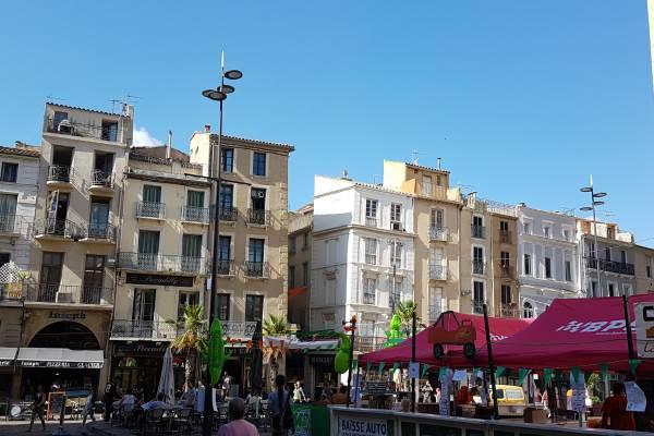 Narbonne, architecture, marchés, canal du Midi