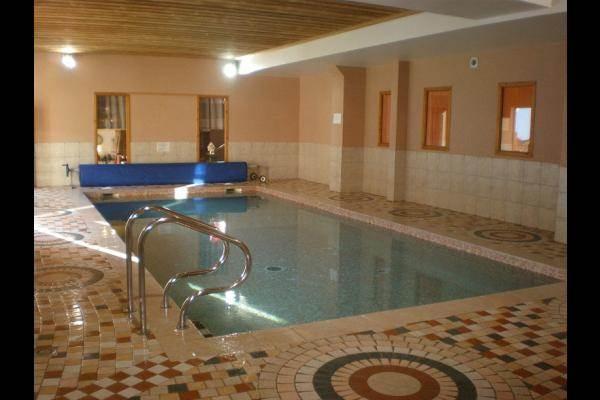 La piscine pour les résidents du Chalet des Neiges