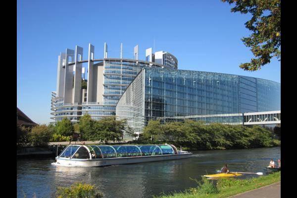 a proximité du Parlement européen et des institutions européennes