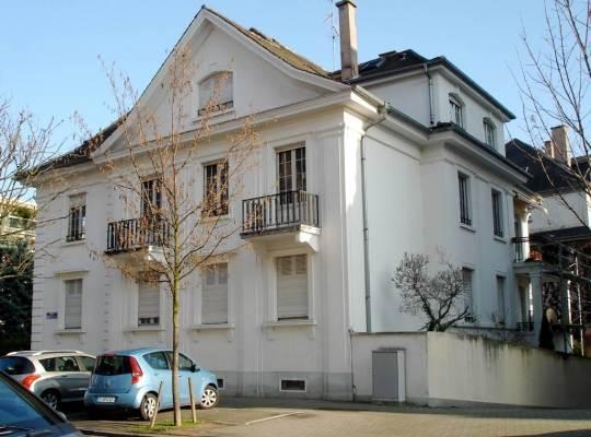 une maison de maître 1900 quartier résidentiel de l'Orangerie