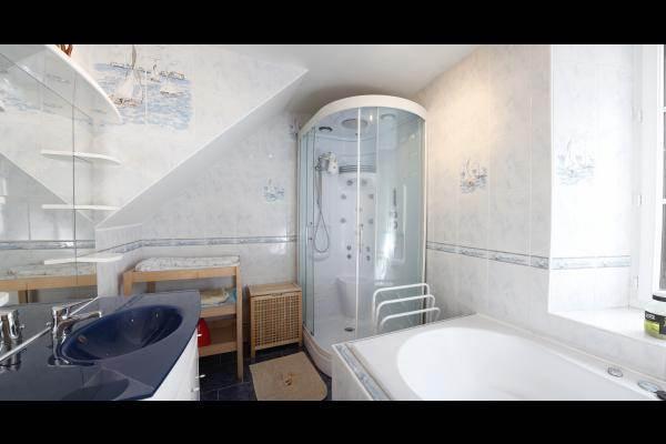 Douche avec jets de massage