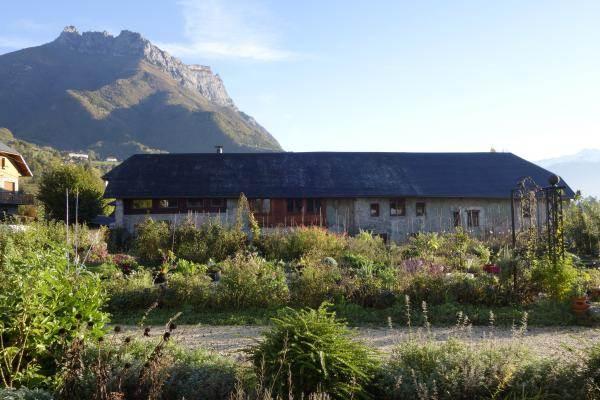 la grange du chateau des allues