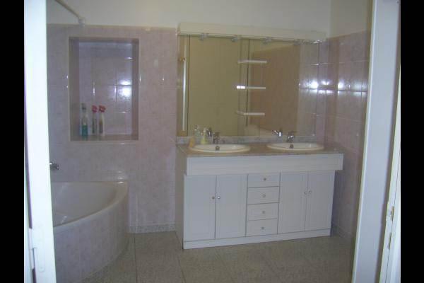 gite le parré salle de bain