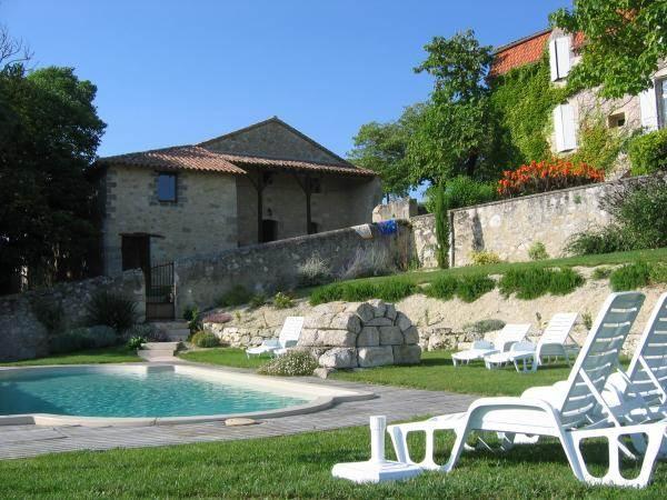 Ferme gasconne avec piscine http://gitesdepeyrouton.free.fr