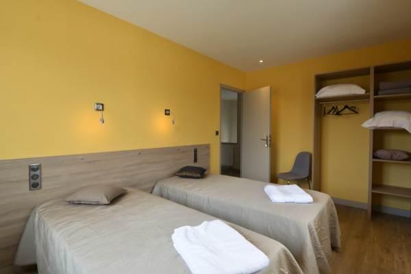 Chambre étage 2 personnes 2X90X200 cm