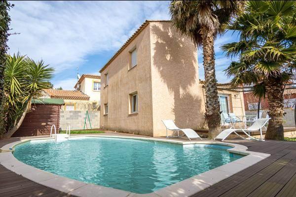 PO-004 Villa avec piscine et jardin