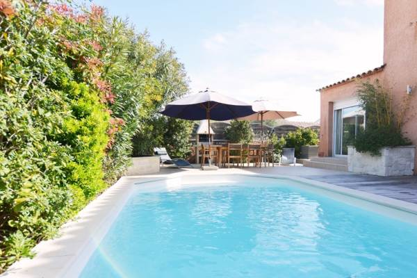 BO-076 Belle villa avec piscine