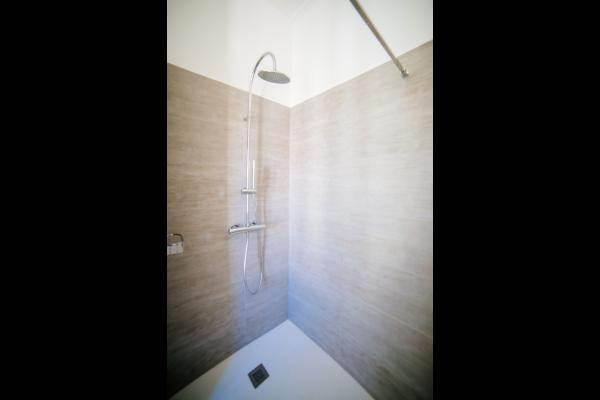 La salle de bains - la douche