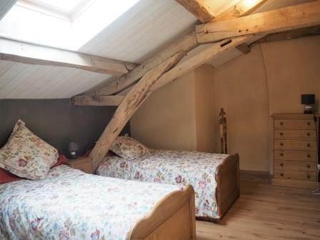 chambre deux lits à l'étage