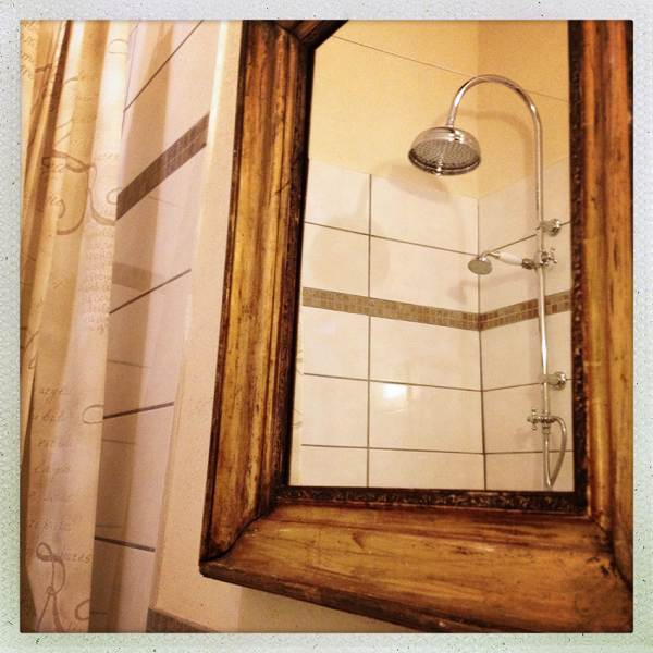 Une salle de bains de caractère   La Talle
