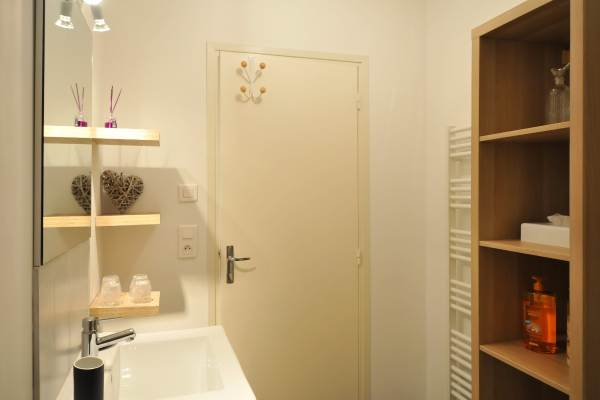 Salle de bain étage espace et rangement