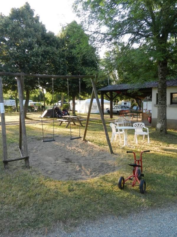 Balançoire jeux du camping