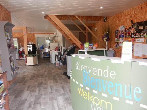 Réception, snack et documentation touristique sur place